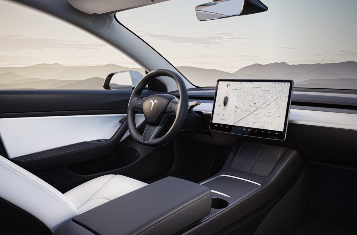 Tesla and Samsung are collaborating on self-driving devices