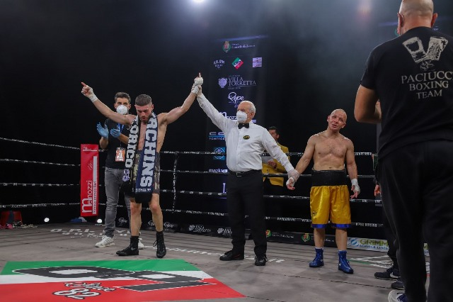 Photo of The show at Cinisello Balsamo Boxing Night!  – 2Out.it – seconds out – the free sports magazine