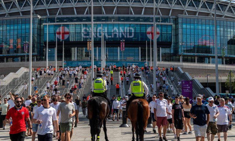 """Euro 2020, Wembley opens at 50% but risks the final.  UEFA: """"There is a plan B"""" 
