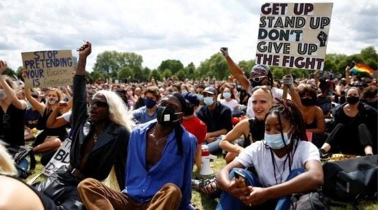 """Reagire in tempo di Covid: salute, vaccini, """"bio-bolle"""", Black Lives Matter, integrazione culturale, LGBTQ+. Lo sport unito per ridurre le distanze"""