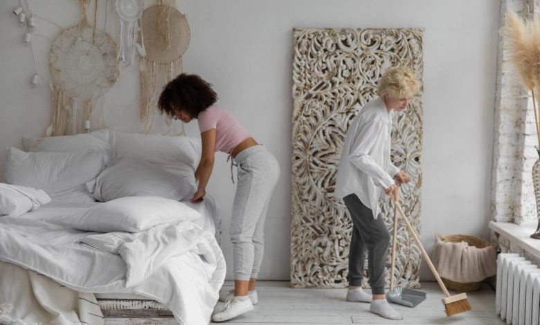No more backache when cleaning the house thanks to these essential risk avoidance tips