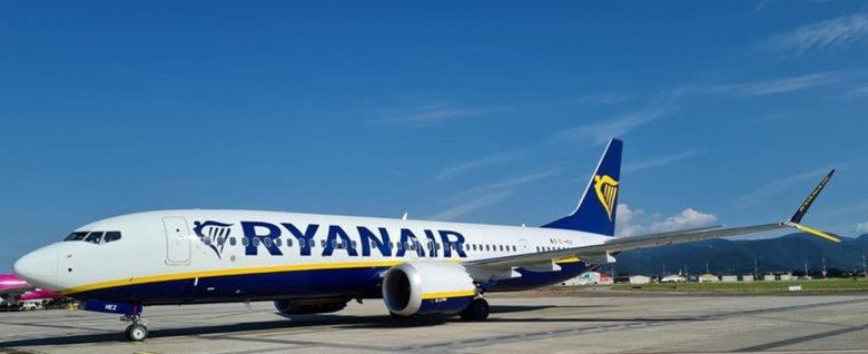 Quieter and less polluting: a new Ryanair aircraft in Orio al Serio