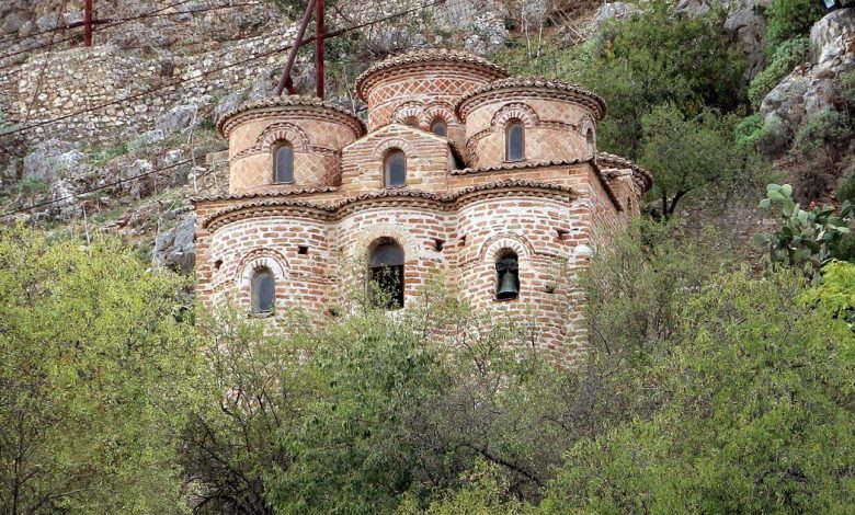 A charming village in southern Italy rich in history in a natural paradise