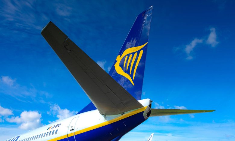 Cagliari, 'disorderly' passenger fined on Ryanair flight: She doesn't wear mask and threatens flight attendant