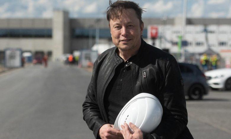Elon Musk lives in a $50,000 prefab house