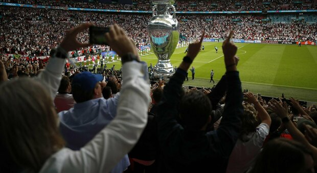Italy-England, Wembley whistles the anthem of Mameli: The pleas are empty