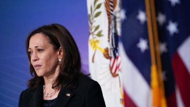 """Photo of Kamala Harris, all the troubles of a vice president """"betrayed"""" by his staff- Corriere.it"""