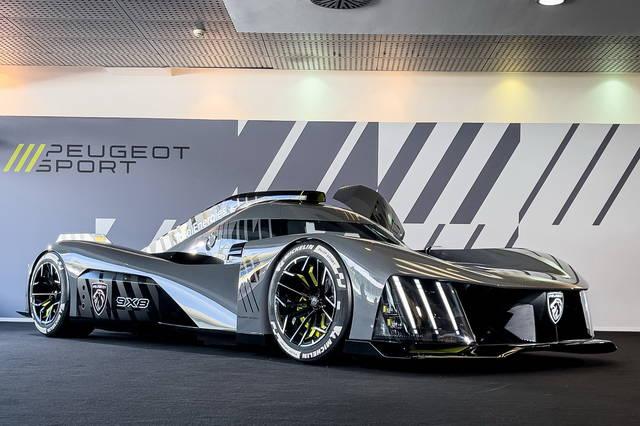 Peugeot 9X8: l'hypercar per Le Mans vista dal vivo