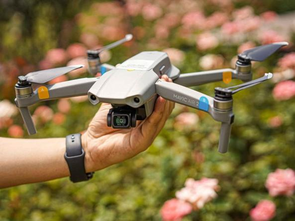 Milan, a drone in the cathedral square: the Mexican tourist was fined 33,000 euros