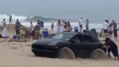 Photo of On the Beach with a Porsche Cayenne: Bad Idea – Auto World