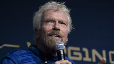 Photo of Richard Branson flies into space with Virgin Galactic