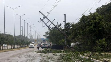 Photo of Hurricane Grace in Mexico, eight dead.  In the United States 42 million warnings for Henry