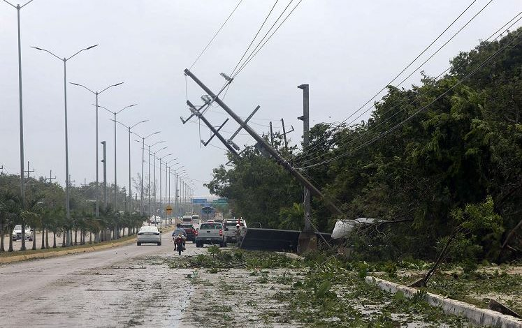 Hurricane Grace in Mexico, eight dead.  In the United States 42 million warnings for Henry