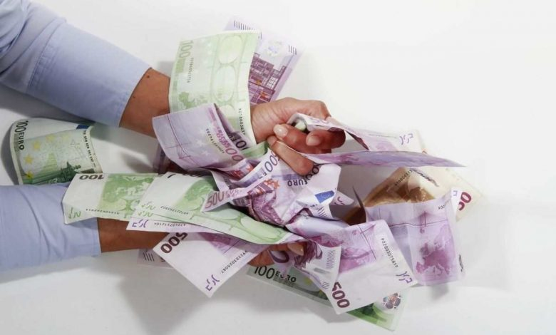 Tax authorities can withdraw from the current account