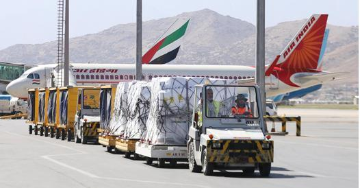 Afghanistan, thousands of people flee.  Europe divided over refugees - Corriere.it
