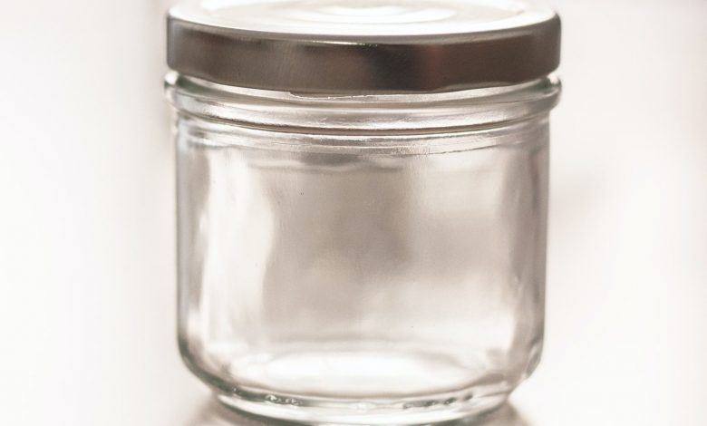 An original way to prevent the plague: farts in a jar