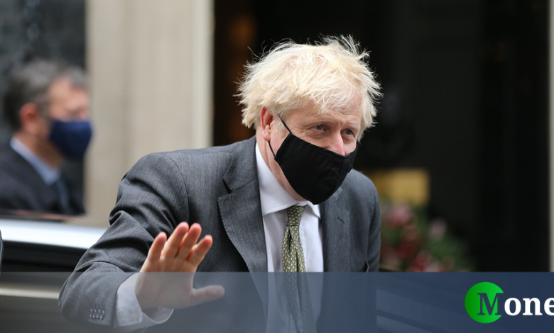 UK, third dose for 32 million people: Johnson's decision