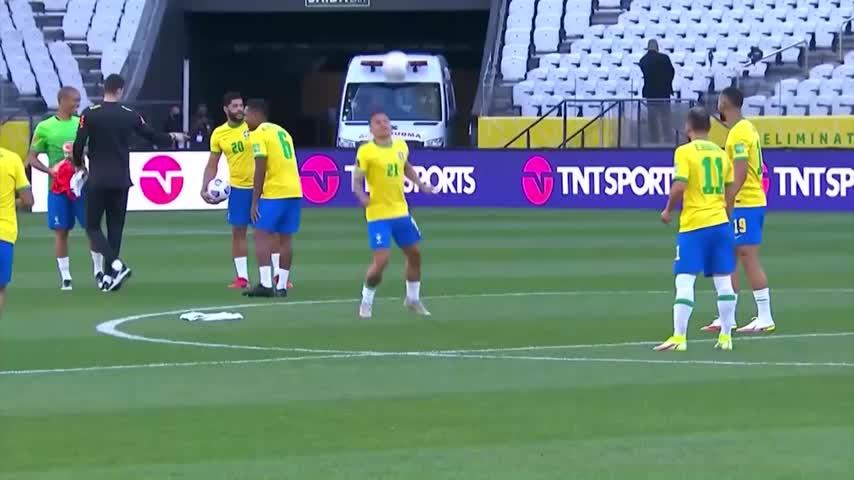 Brazil and Argentina comment: Verdoru improvises a training session