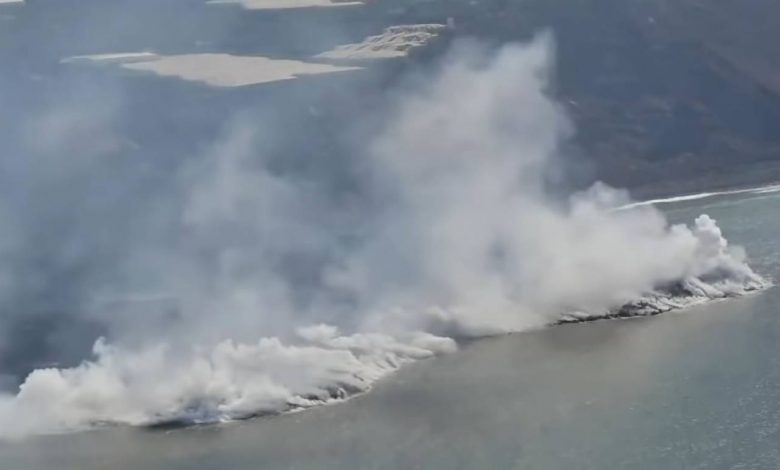 Continuous update of the explosion La Palma in the Canary, Lava del Cumbre Vieja rivers into the sea, destroyed nearly 600 homes.  Photo and video status