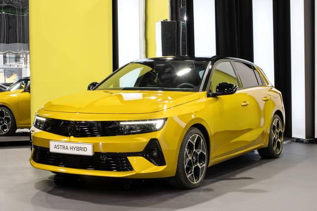 Opel Astra: per lei linee essenziali e dinamiche