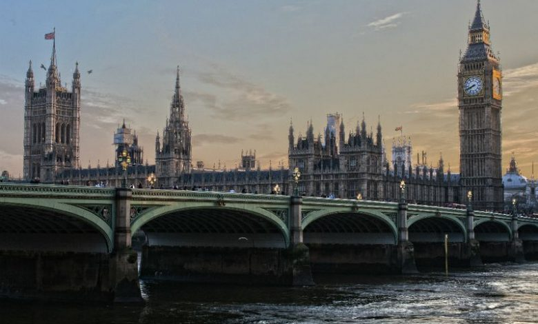 UK to reform the Traffic Light System to pay travel