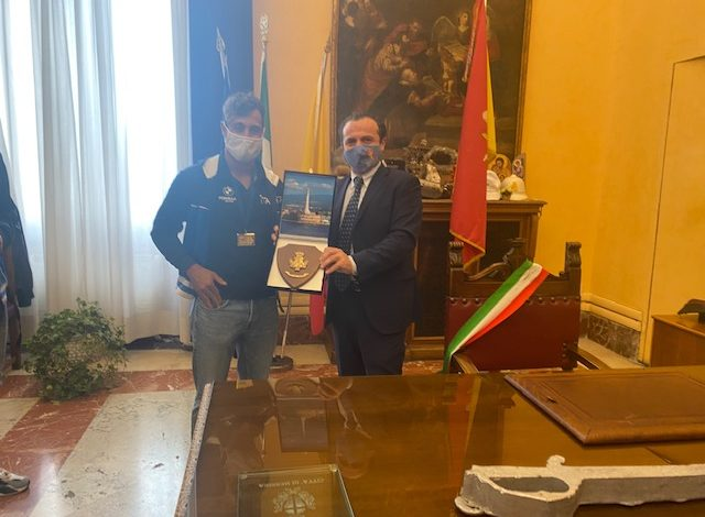 The city of Messina received Mayor De Luca, the world champion in rowing Ficarra, at the Zanca Palace »Municipality of Messina