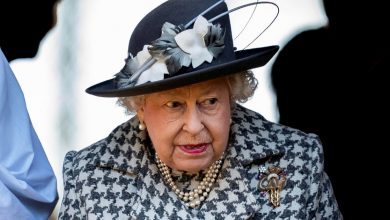 Photo of Queen Elizabeth spent Thursday night in hospital: Buckingham Palace announcement