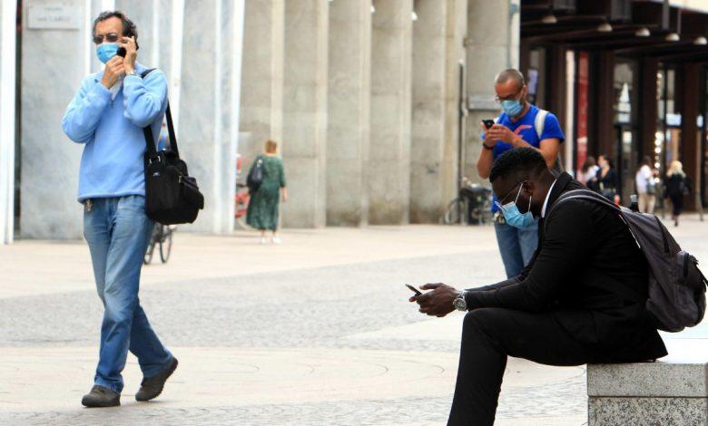 Garante Privacy, attenzione ai microfoni accesi in smartphone e tablet: cosa sapere